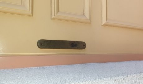 Ouverture d'une porte claquée à Pérols