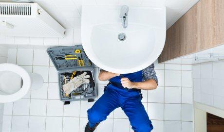 Dépannage en urgence de fuite d'eau par un plombier à Sète